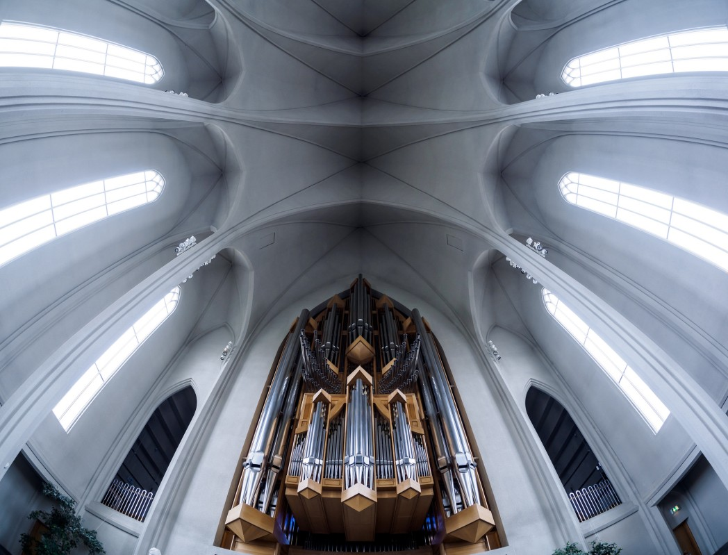 Interior of Hallgrímskirkja, features very high ceilings and pointed arches