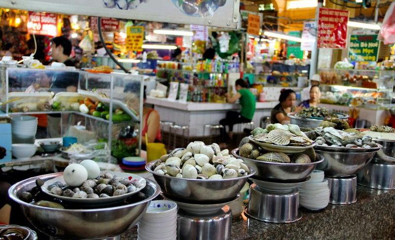 Street food along Ho Chi Minh City. Photo credit: Way to Vietnam